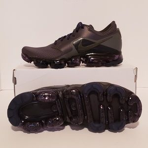 NEW NIKE AIR VAPORMAX R SIZE : 9 US